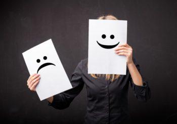 Mascherare la depressione con il sorriso, è la 'smiling depression'