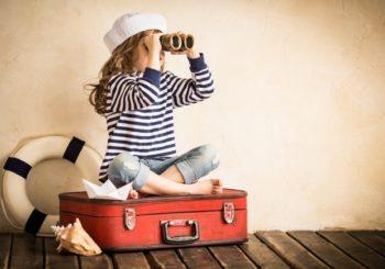 Bimbi in vacanza, i farmaci da portare in valigia