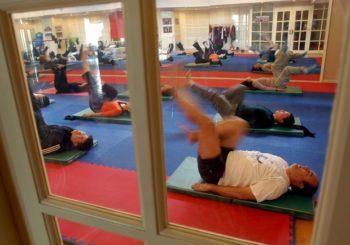 Fisioterapia, plantari e ginnastica aiutano contro l'artrite